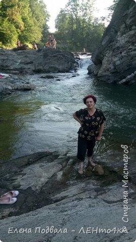 Друзья! А теперь мы с вами переместимся в потрясающе прекрасное Прикарпатское село Шешоры! Я очень люблю шешорские водопады, горные пейзажи, сельские хатки с деревянными тыночками  и лесные тропки с россыпями грибов! фото 38