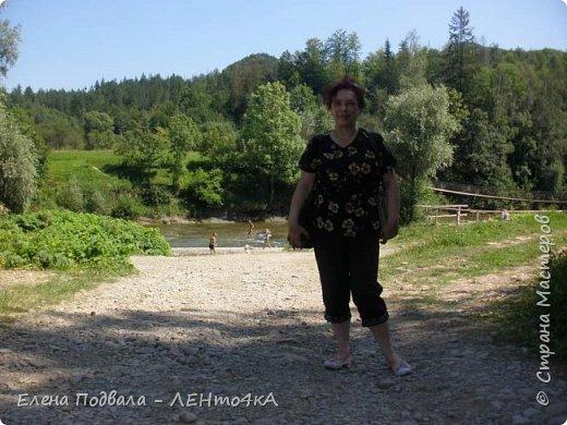 Друзья! А теперь мы с вами переместимся в потрясающе прекрасное Прикарпатское село Шешоры! Я очень люблю шешорские водопады, горные пейзажи, сельские хатки с деревянными тыночками  и лесные тропки с россыпями грибов! фото 23