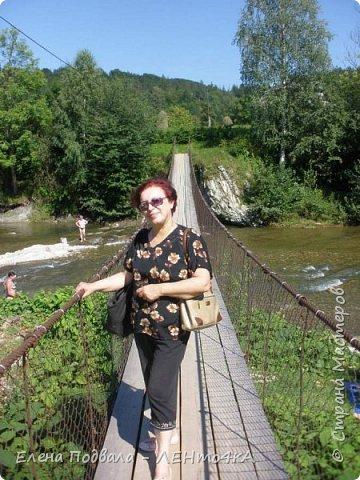 Друзья! А теперь мы с вами переместимся в потрясающе прекрасное Прикарпатское село Шешоры! Я очень люблю шешорские водопады, горные пейзажи, сельские хатки с деревянными тыночками  и лесные тропки с россыпями грибов! фото 20