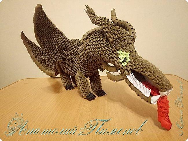 Делал работу из модулей размером 1/64,всего ушло примерно 3500 модулей.Длина дракона получилась 48 см,высота 20 см. фото 5