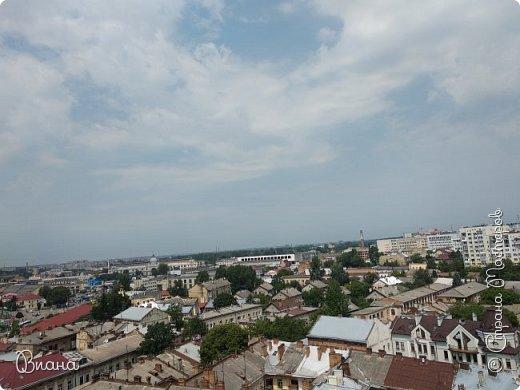 Всем привет! Вот когда большая часть августа прошла, то можно сделать запись о том в каких городах мне удалось побывать летом и показать всю красоту. Первый город - Львов. (все фото сделаны на телефон, без фотошопа). фото 25