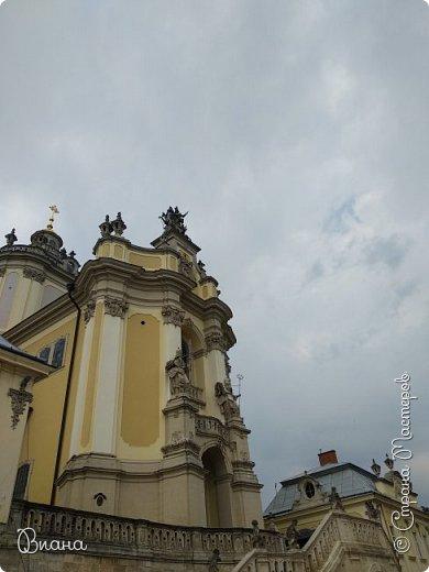 Всем привет! Вот когда большая часть августа прошла, то можно сделать запись о том в каких городах мне удалось побывать летом и показать всю красоту. Первый город - Львов. (все фото сделаны на телефон, без фотошопа). фото 26
