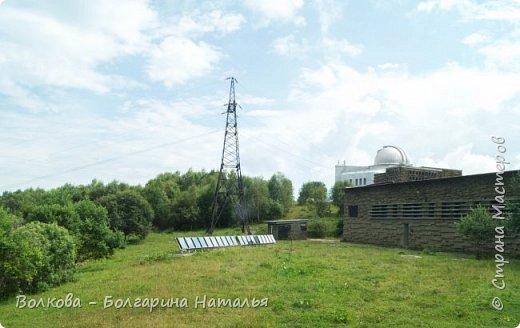 Пожалуй самым необычным и впечатляющим была поездка в обсерваторию. К сожалению был выходной и мы не попали на полноценную экскурсию, во внутрь Большого телескопа. Но само осознание, что ты находишься так высоко, в САМОМ крупном астрономическом центре России, вызывает небывалый восторг. фото 11