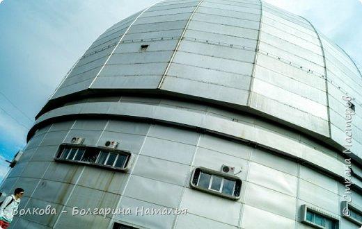 Пожалуй самым необычным и впечатляющим была поездка в обсерваторию. К сожалению был выходной и мы не попали на полноценную экскурсию, во внутрь Большого телескопа. Но само осознание, что ты находишься так высоко, в САМОМ крупном астрономическом центре России, вызывает небывалый восторг. фото 14