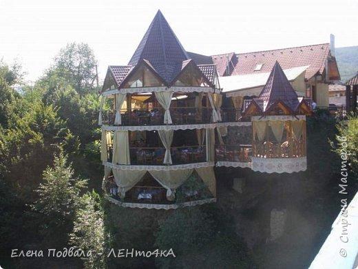 Друзья! А теперь мы с вами переместимся в потрясающе прекрасное Прикарпатское село Шешоры! Я очень люблю шешорские водопады, горные пейзажи, сельские хатки с деревянными тыночками  и лесные тропки с россыпями грибов! фото 41