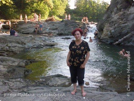 Друзья! А теперь мы с вами переместимся в потрясающе прекрасное Прикарпатское село Шешоры! Я очень люблю шешорские водопады, горные пейзажи, сельские хатки с деревянными тыночками  и лесные тропки с россыпями грибов! фото 37