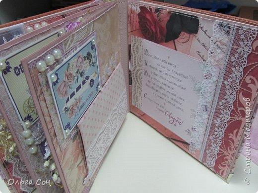 Миник размер 20х20 на день свадьбы в качестве поздравления и денежного подарка- внутри конверт для денег. По началу запланирован только для поздравлений, но есть и место примерно для 10-15 ти фотографий размером 9 х13 фото 24