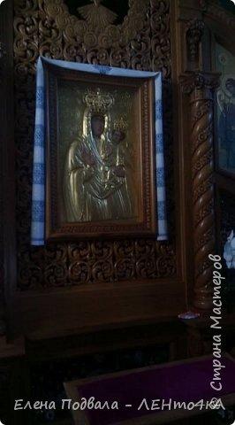 Дорогие друзья!  Это уже 4-й фоторепортаж с моего путешествия по Карпатским красотам в этом году. Нам с сестрой очень повезло, мы попали с экскурсией в Святое место  Греко-католического паломничества - с. Зарваница (Тернопольская обл.) Как его еще называют - Украинский Иерусалим.. К знакомым сестры приехали гости из Донецкой обл. и они очень хотели сюда попасть. Знакомый заказал маленький бусик на 8 мест. Еще 3 места были свободны! Мы с Лидой не могли упустить такую возможность! Поехала с нами еще ее подруга. фото 25