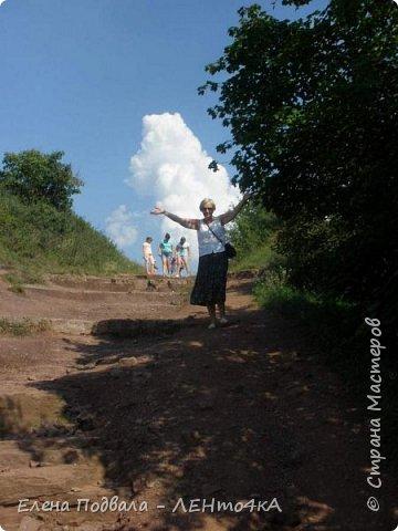 Дорогие друзья!  Это уже 4-й фоторепортаж с моего путешествия по Карпатским красотам в этом году. Нам с сестрой очень повезло, мы попали с экскурсией в Святое место  Греко-католического паломничества - с. Зарваница (Тернопольская обл.) Как его еще называют - Украинский Иерусалим.. К знакомым сестры приехали гости из Донецкой обл. и они очень хотели сюда попасть. Знакомый заказал маленький бусик на 8 мест. Еще 3 места были свободны! Мы с Лидой не могли упустить такую возможность! Поехала с нами еще ее подруга. фото 48