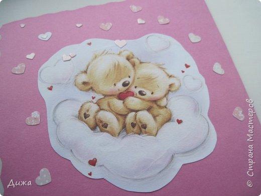 """Всем приветик! Сегодня я вам хочу показать открытку, которую я сделала на свадьбу. Мой любимый дядя (родной братишка моей мамы) жениться и я решила сделать им открытку сама.  Мама говорит, что всё равно выкинут, потому что не все взрослые любят самодельные открытки. Но я очень хотела сделать. Мама сказала, что нужно очень красивую сделать, может тогда не выкинут. И так совпало, что мастерица М.Плюшкина проводит конкурс """"Розыгрыш очень вкусной конфеты"""" https://stranamasterov.ru/node/1151317. И я тоже решила поусаствовать.  Свадьба будет в сентябре :-)  Открытку сделала по технике айрис фолдинг.  Огромное спасибо Татьяне Просняковой за очень понятный мастер класс https://stranamasterov.ru/technics/iris-folding?c=popular_inf_776%2C451. Техника очень интересная и получается красиво!   Основа открытки розовый картон фото 8"""