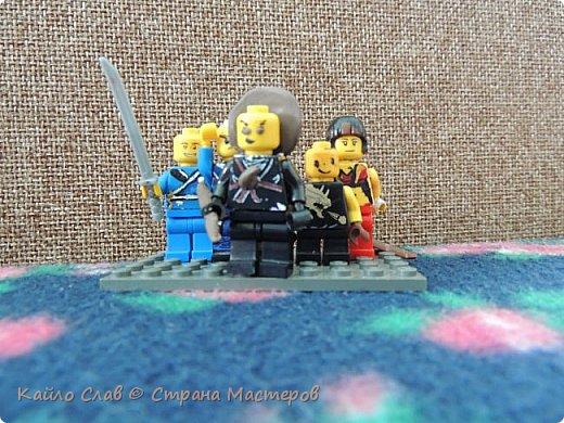 Здравствуй СМ!  В середине стоит Коул, рядом его ученик, Коулинг и Джеилинг. Дальше, в дальних рядах стоят Джей и Ния. фото 1