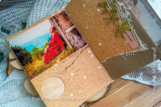 Моя последняя долгостройная работа с мастер-класса Эли Гафаровой - дневник - готова. Поскольку странички в дневник уже дома оформляла, то без фото из Архыза обойтись было бы странно. Причём, я решила вместе с фото участниц скрап-феста сохранить их АТС-ки и открытки. Хранить их отдельно не хотелось. фото 8