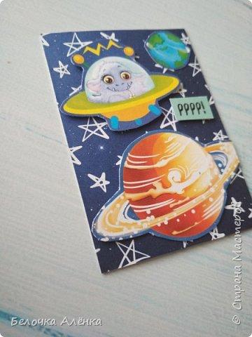 """Представляю вашему вниманию новую серию карточек, выполненную в рамках """"совместника на двоих""""! :) Тема - космос.  Это супер долгие космические карточки, идею о которых я вынашивала несколько месяцев, но не знала, с чего именно начать.  Пожаловалась Викулетте, и решили мы организовать что-то подобное совместнику.  Вот моя космическая серия, она мне кажется довольно забавной :)   Первыми к выбору приглашаются Нельча и Oksana Gordey.  фото 11"""