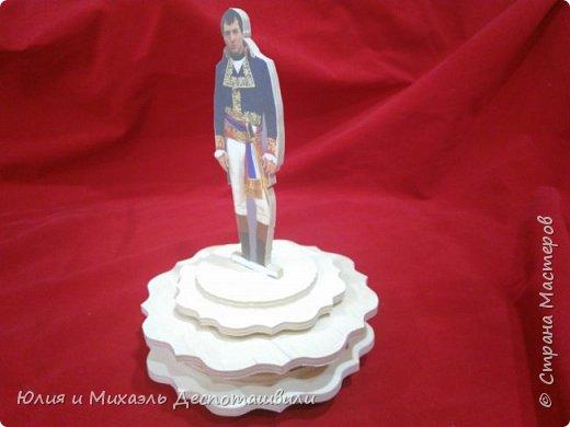 Музыкальная фигурка. Арманд Ассанте в роли Наполеона Бонапарта фото 3
