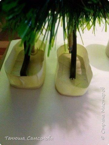 Материалы для изготовления ножек: Картон, малярный скотч, гипс, емкость для разведения гипса водой ( я использую одноразовый пластиковый стакан), ткань для обтягивания ножек , украшения на Ваше усмотрение. фото 6
