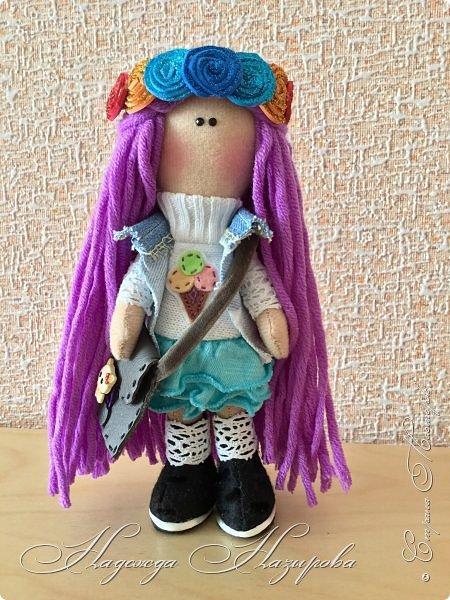 Здравствуйте, после продолжительного перерыва в творчестве возникло желание сделать куколку на день рождения дочери. Вот такая куколка получилась. фото 1