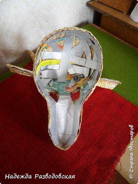 Для детского фольклорного ансамбля понадобилась маска козы из соломки. Попросили меня сделать такую маску. Да ещё букетик из снопа колосков в виде цветка в качестве презента, так как ансамбль готовился к выступлению в Польше на дожинках. фото 9