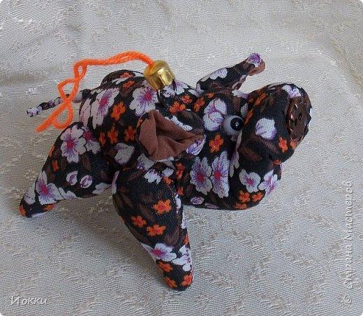 Веприки - размер с ладонь, искусственный мех, флок на пятачке, набивка - холлофайбер. фото 14