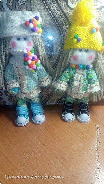 Всем привет.У меня опять куклы,какие то уже уехали в свои новые дома,какие то еще в стенке стоят.