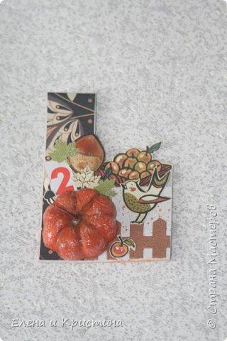 Всем добрый день или вечер!!! наконец то оформила вышивки фруктов вот такое трио, сначала повесили на своё место и только потом я решила, что нужно сфотографировать, уже не снимала так отфотографировала фото 6
