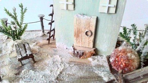 Миниатюра с зимним домиком фото 3