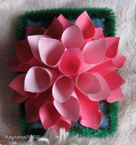 """Всем здравствуйте!!!!Представляю Вам свою серию АТС """" На память о лете"""" по игре , организованной Oksana Gordey  , проживающей здесь  https://stranamasterov.ru/node/1152161   Лето для меня-это цветы, а мои любимые цветы -это георгины! Вот Вам мой букет!Очень надеюсь, что он Вам понравится !Карточек всего девять, так как в букетах должно быть нечетное число цветов.Сначала выбирают участники игры, одну карточку я должна Полине Купряшиной (за сову), если ей понравится, то буду рада! фото 10"""