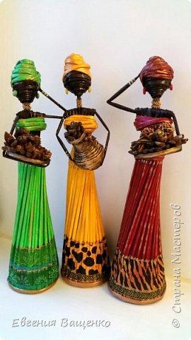 Сегодняшний мастер-класс посвящён ещё одному моему любимому виду творчества — созданию поделок из газетных или журнальных трубочек без плетения. На мой взгляд, самыми элегантными и колоритными из бумажной лозы получаются куклы — африканки. фото 2