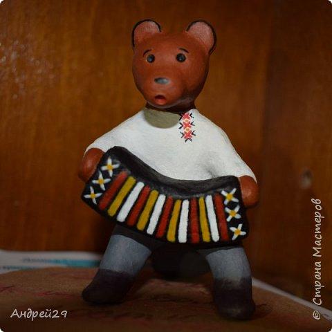 Медведь с гармонью фото 1