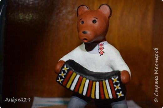 Медведь с гармонью фото 2