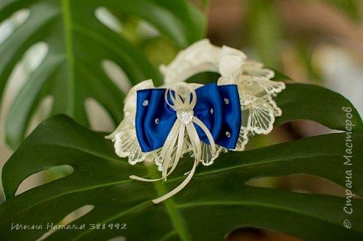 Свадебная подвязка в синем цвете.  фото 5