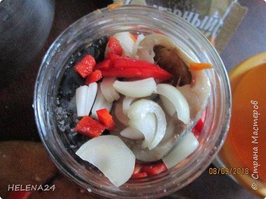 Делала рыбные консервы из скумбрии с овощами ,на последней банке вспомнила,что не плохо бы и поделится ... фото 6