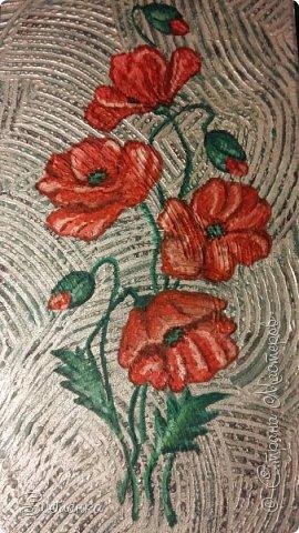 """Это панно делала несколько лет назад в """"зеленую"""" ванную. Красные маки на зеленой плитке прекрасно смотрелись и удачно разбавляли монохромность стен. Сочетание цветов из природы: зеленый + красный! фото 1"""