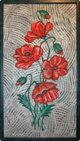"""Это панно делала несколько лет назад в """"зеленую"""" ванную. Красные маки на зеленой плитке прекрасно смотрелись и удачно разбавляли монохромность стен. Сочетание цветов из природы: зеленый + красный! фото 3"""