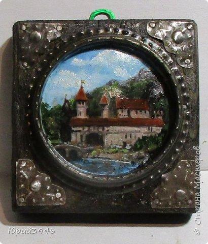 """Миниатюра """"Замок"""". Выполнена масляными красками на жестяной крышке от банки из под краски. Рисунок взят """"из головы"""".  фото 1"""