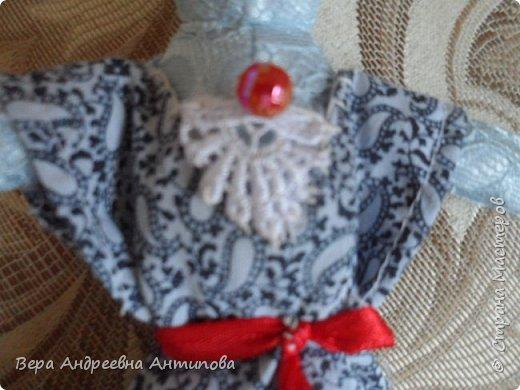 Всем добрый день! Попросила меня внучка сшить платье для ее Зайки. Швея из меня не очень, но отказать внучке не смогла, и вот такое платье за вечер получилось.))) Вроде бы и не плохо.)))) фото 3
