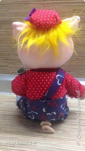 Здравствуйте,Страна Мастеров! На дворе было лето,а я начала шить поросяток - символ следующего года.Высота игрушек 20-22 см фото 9