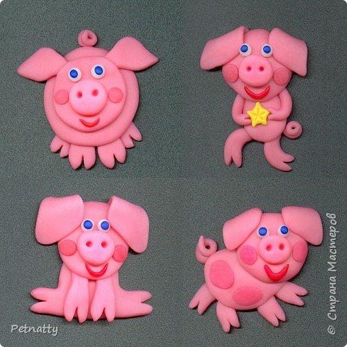 Свинки - магниты на холодильник из запекаемой пластики (цернит). Делала 12 лет назад к новому году. фото 1