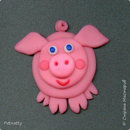 Свинки - магниты на холодильник из запекаемой пластики (цернит). Делала 12 лет назад к новому году. фото 2