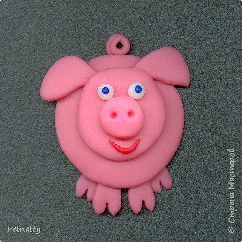 Свинки - магниты на холодильник из запекаемой пластики (цернит). Делала 12 лет назад к новому году. фото 3