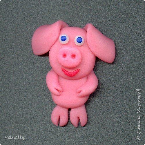 Свинки - магниты на холодильник из запекаемой пластики (цернит). Делала 12 лет назад к новому году. фото 6