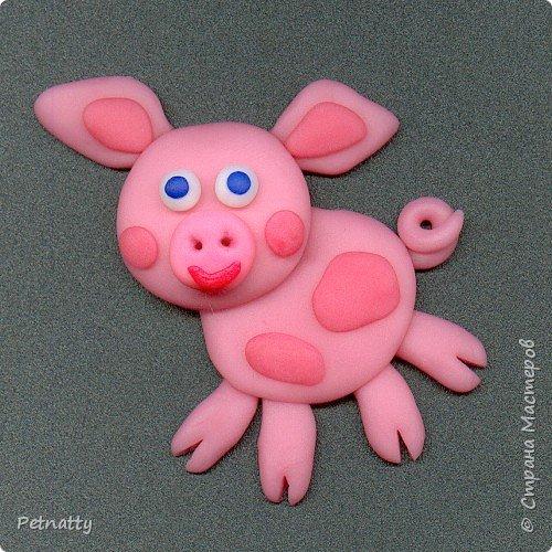 Свинки - магниты на холодильник из запекаемой пластики (цернит). Делала 12 лет назад к новому году. фото 7