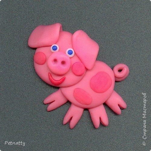 Свинки - магниты на холодильник из запекаемой пластики (цернит). Делала 12 лет назад к новому году. фото 8