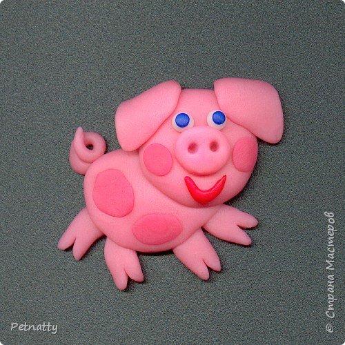 Свинки - магниты на холодильник из запекаемой пластики (цернит). Делала 12 лет назад к новому году. фото 9
