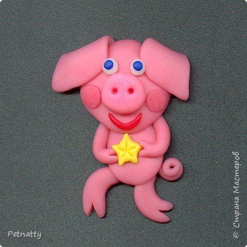 Свинки - магниты на холодильник из запекаемой пластики (цернит). Делала 12 лет назад к новому году. фото 10