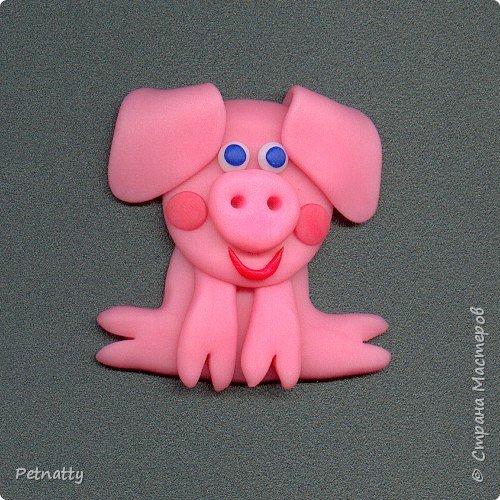 Свинки - магниты на холодильник из запекаемой пластики (цернит). Делала 12 лет назад к новому году. фото 11