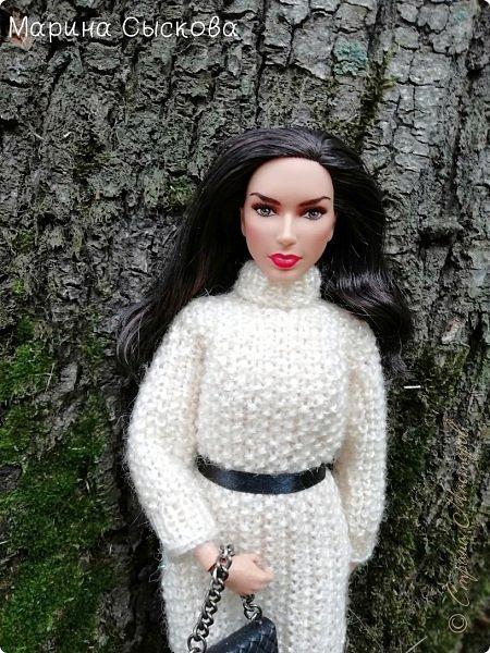 Накопились у меня тут фото ))) Это Миранда в новом платье свитере . Гуляли на озере . фото 11