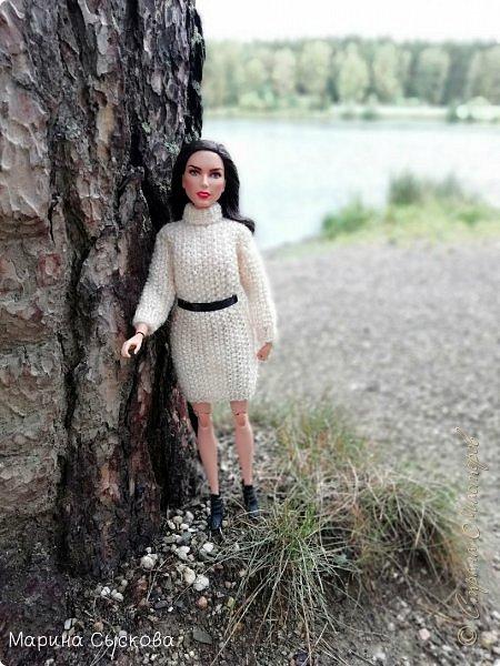 Накопились у меня тут фото ))) Это Миранда в новом платье свитере . Гуляли на озере . фото 2