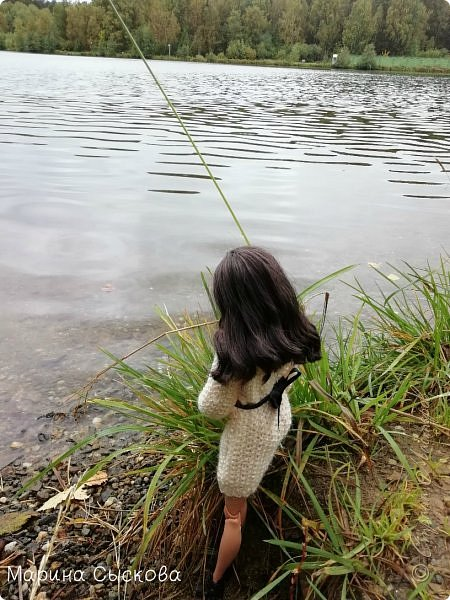 Накопились у меня тут фото ))) Это Миранда в новом платье свитере . Гуляли на озере . фото 4