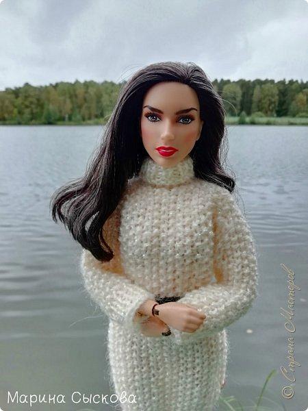 Накопились у меня тут фото ))) Это Миранда в новом платье свитере . Гуляли на озере . фото 5