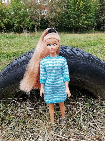 Накопились у меня тут фото ))) Это Миранда в новом платье свитере . Гуляли на озере . фото 15